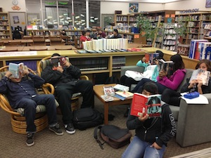 Harbor High students dive into reading